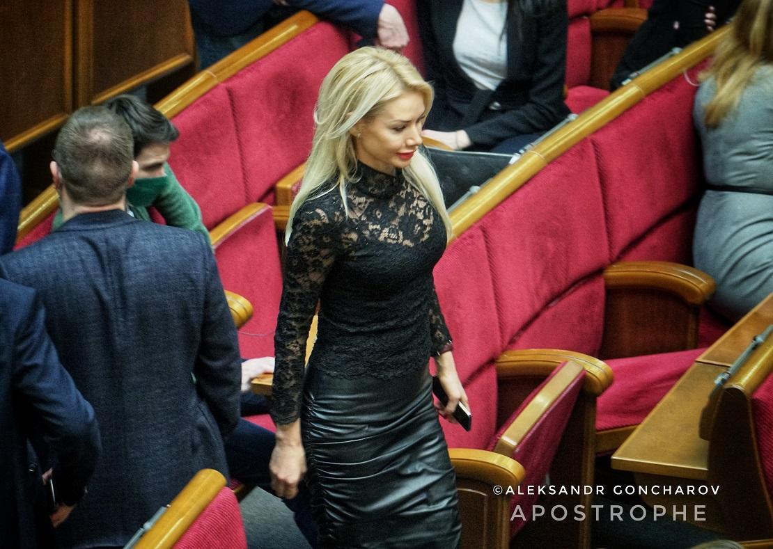 Депутат показала пикантный наряд / apostrophe.ua
