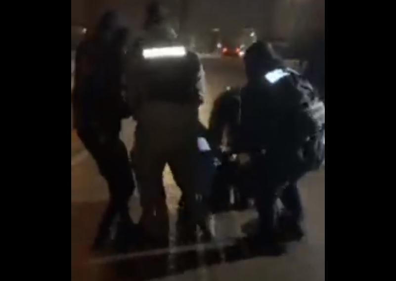 Стерненко - поліція у Житомирі жорстко затримала прихильника активіста: відео / Скріншот