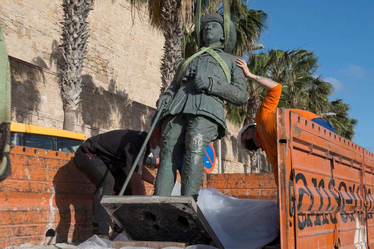 Генерал Франко правил Испанией с 1939 года до своей смерти в 1975 году \ фото REUTERS