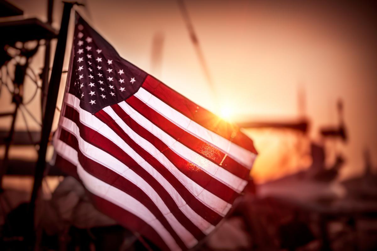 В комитете Госдумы выразили мнение, что сегодня США якобы превращаются в «полумаргинальную страну» / фото ua.depositphotos.com