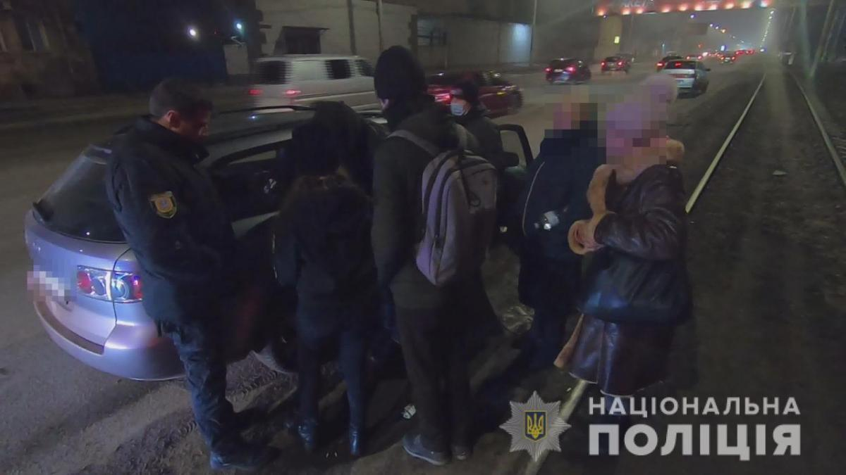 В Одесі затримали шахрайок, якіобкрадали пенсіонерів/ фото od.npu.gov.ua