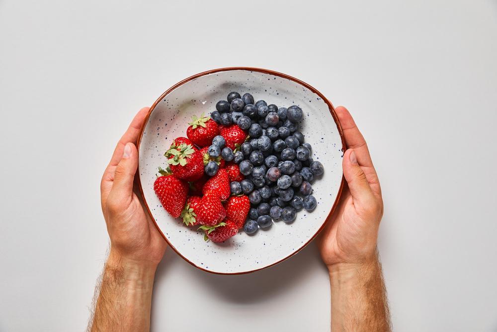 Свежие ягоды спасут от отечности / ua.depositphotos.com