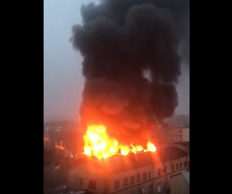 В Харькове произошел крупный пожар / скриншот