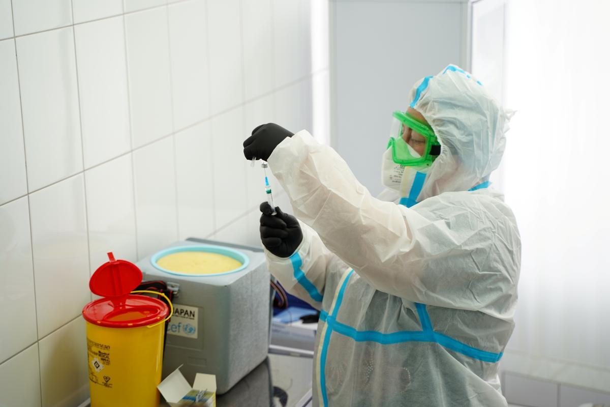 Правительство хочет охватить вакциной почти 24 миллионов украинцев - опубликован план / REUTERS
