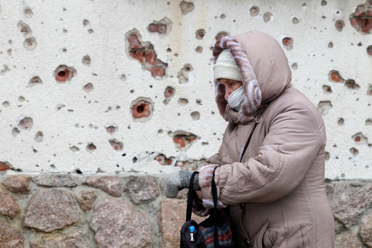 В 2020 году от обстрелов боевиков на Донбассе пострадали 128 гражданских лиц / фото REUTERS