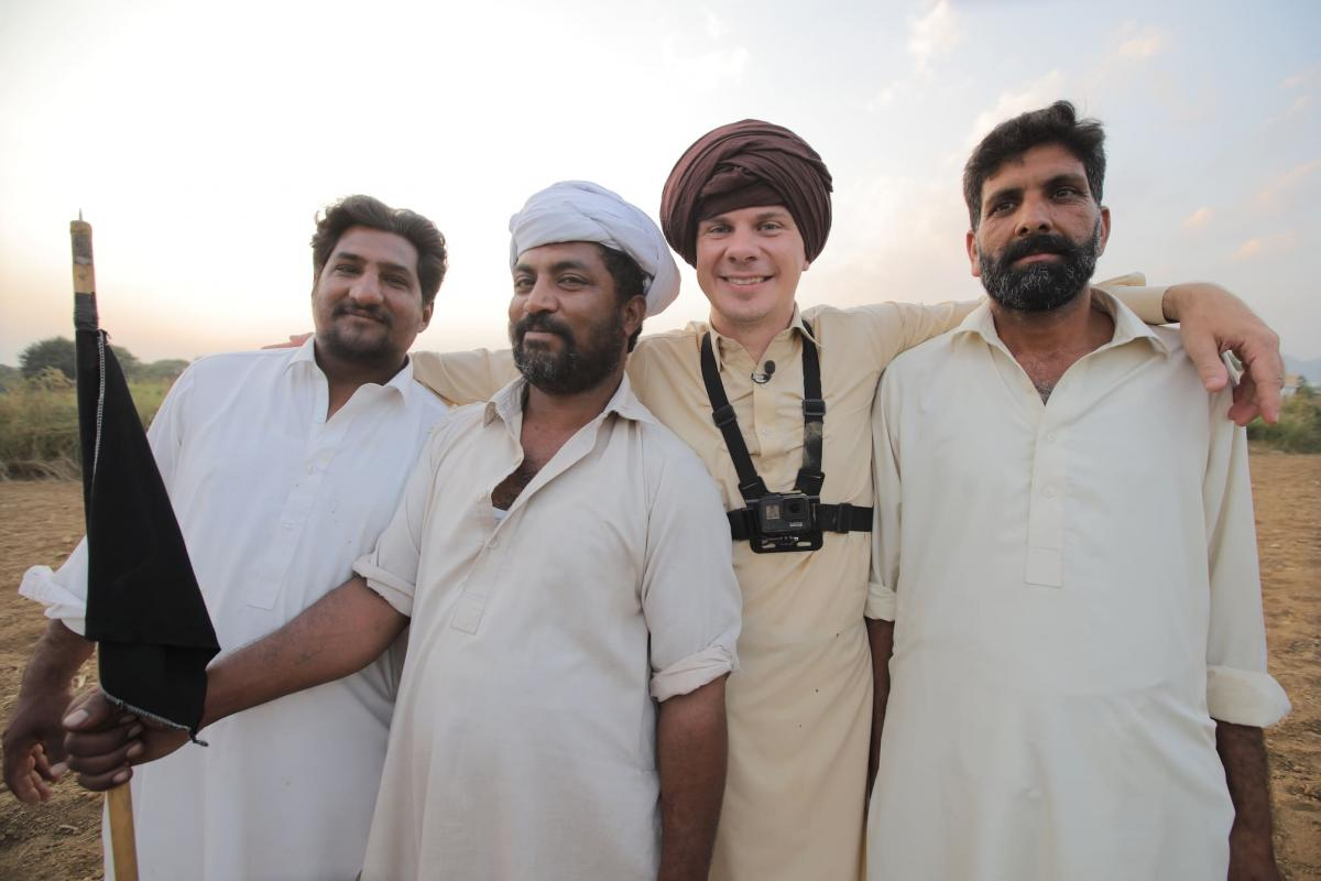 Дмитро Комаров в Пакистані / фото прес-служби «1+1»