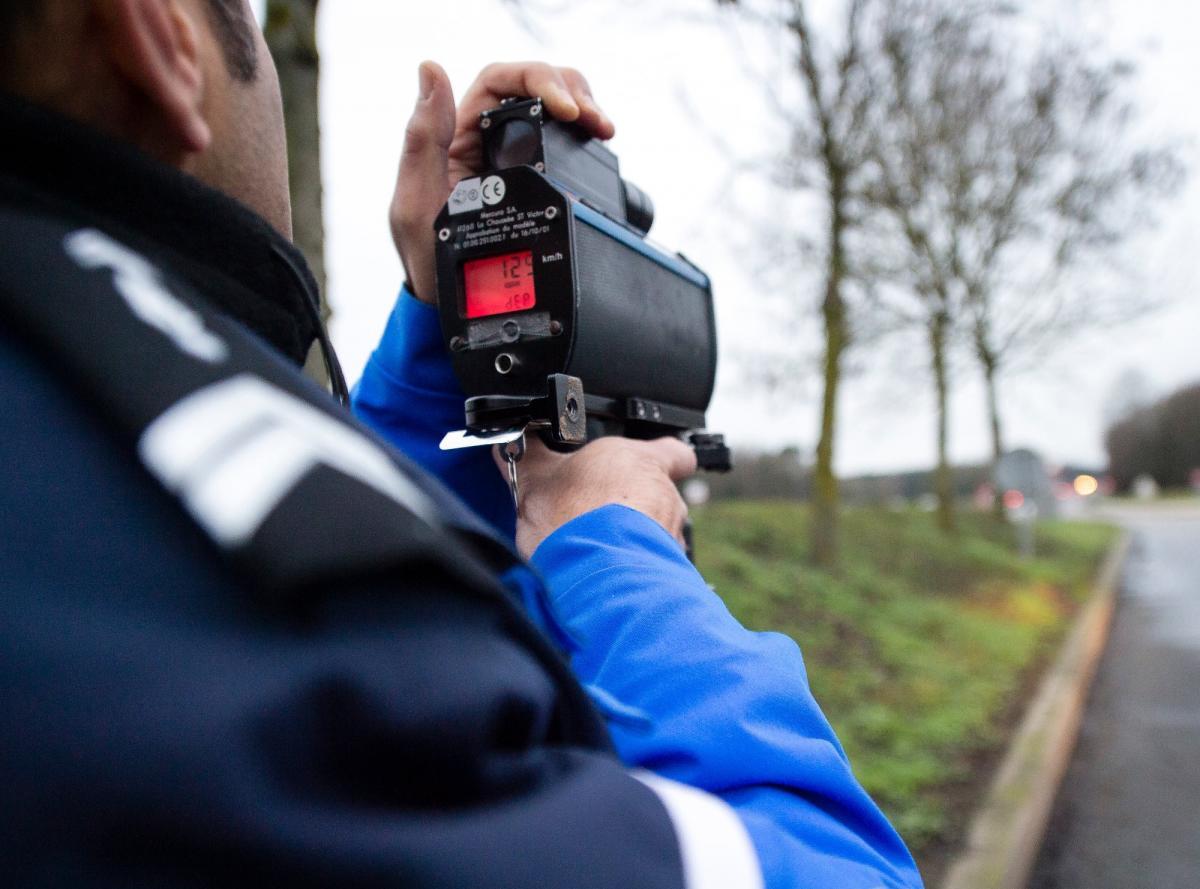 Водій значно перевищив швидкість, бо запізнювався на щеплення від COVID-19 / фото facebook.com/gendarmerie67