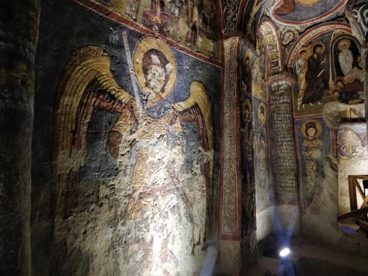 Всередині Чорної церкви / фото Марина Григоренко