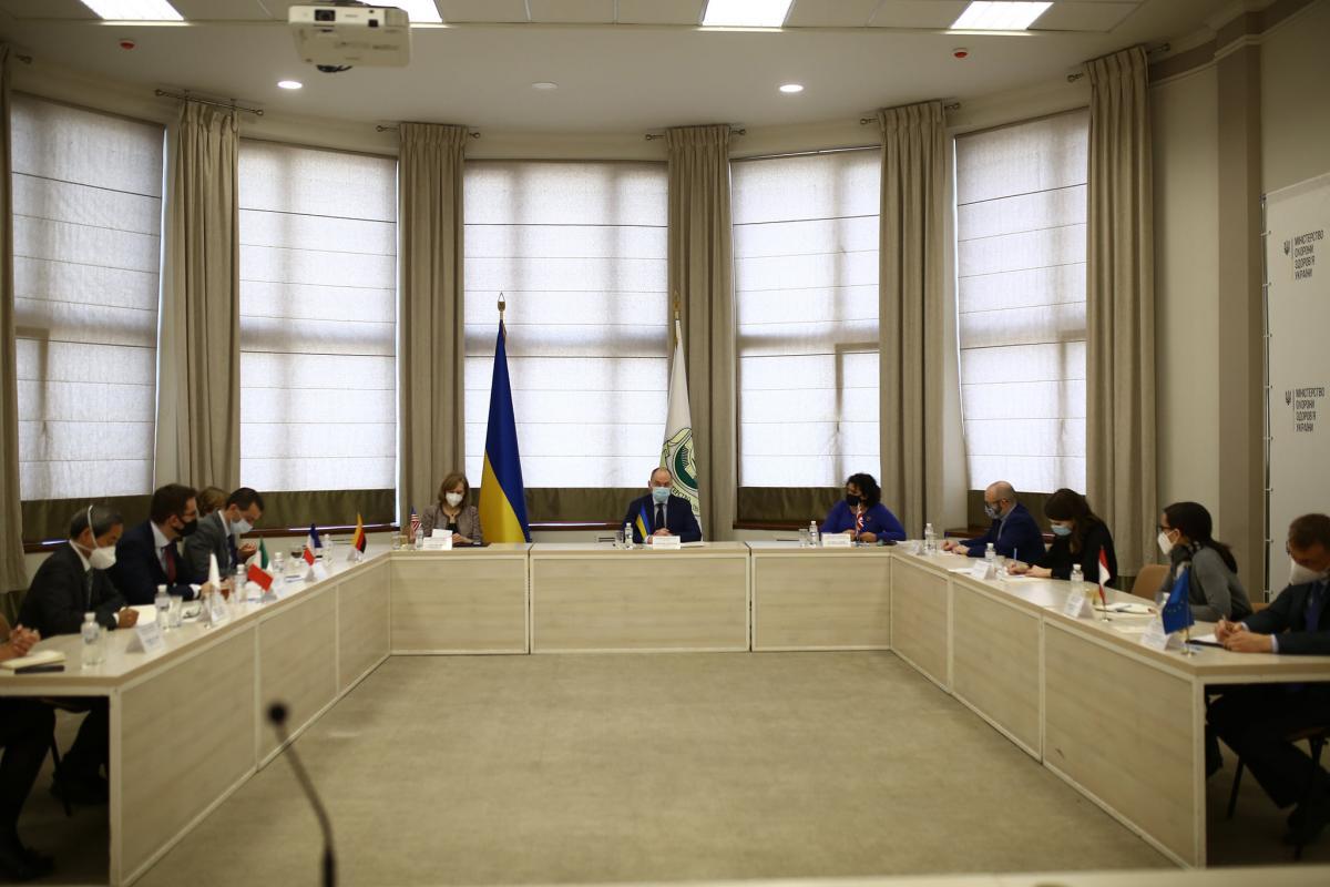 Степанов поговорил с послами G7 в Украине / фото facebook.com/maksym.stepanov.