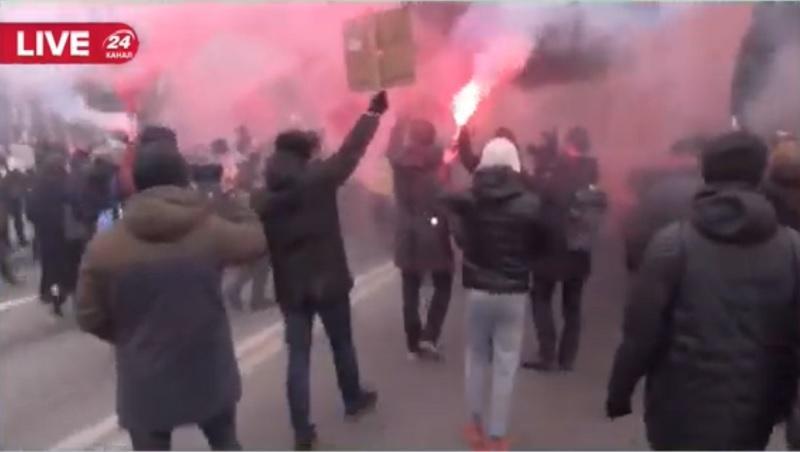 Протесты Стерненко - участники акции двинулись пикетировать офис генпрокурора / скриншот