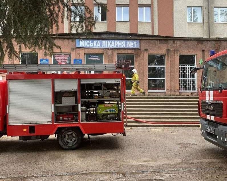 Взрыв в Черновцах - произошел взрыв в ковидной больнице, есть погибшие / acc.cv.ua
