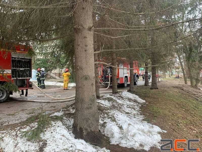 У Чернівцях у палаті на 2-му поверсі будівлі міської лікарні № 1 сталася пожежа \ acc.cv.ua