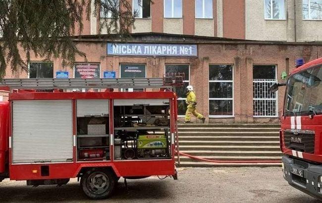 Від пожежі в ковідній лікарні в Чернівцях загинули двоє людей/ фото facebook.com/MNSCHE