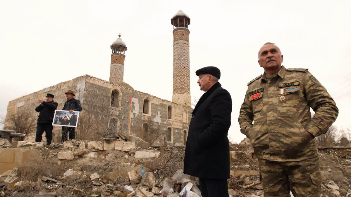 Мечеть спочатку зруйнували, а потім тримали в ній худобу