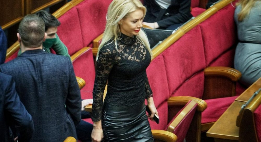 Ірина Аллахвердієва-нардеп прийшла в Раду в сексуальному вбранні — УНІАН