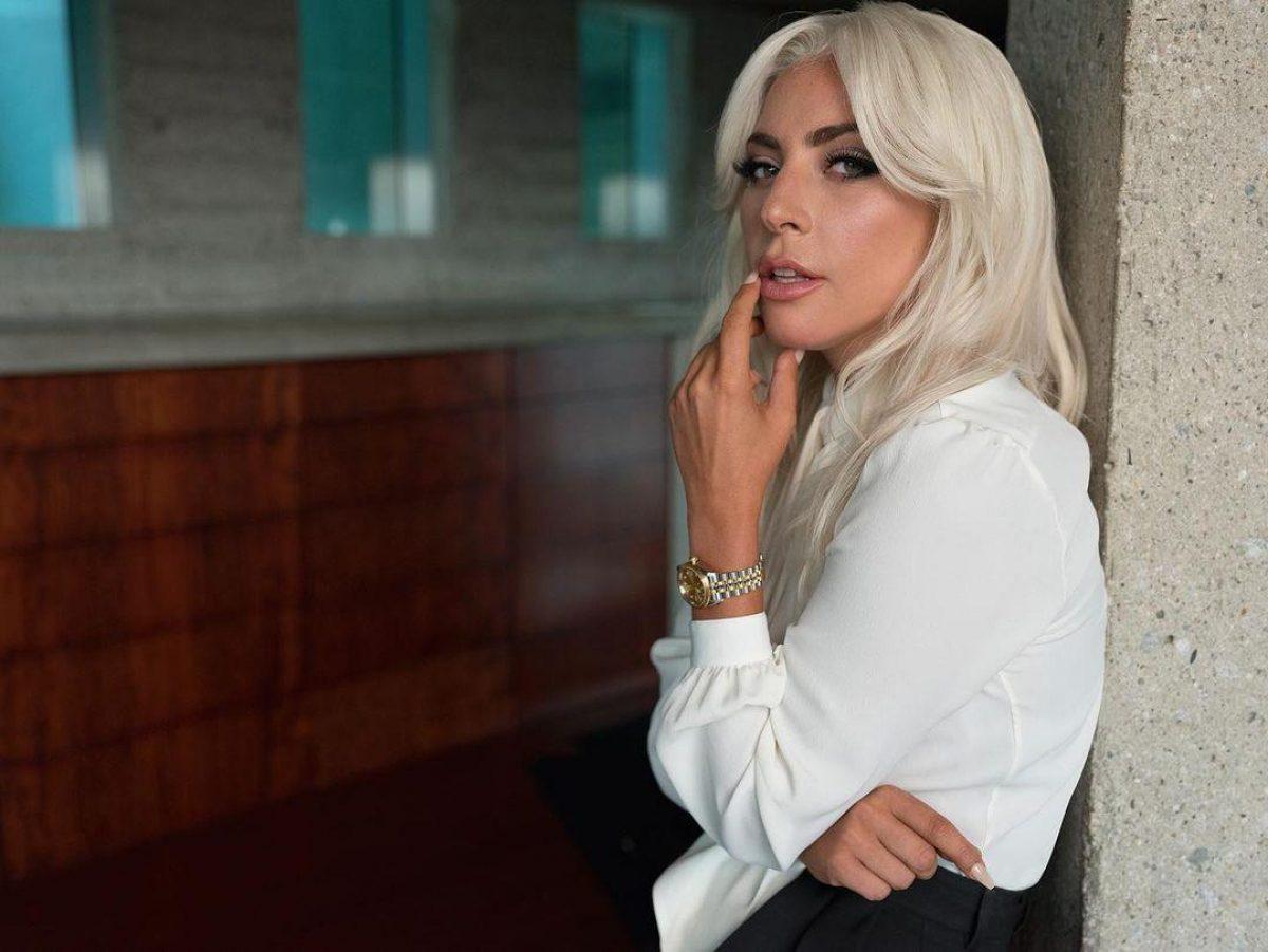 Леди Гага — певица показала дерзкое фото в ванной — УНИАН
