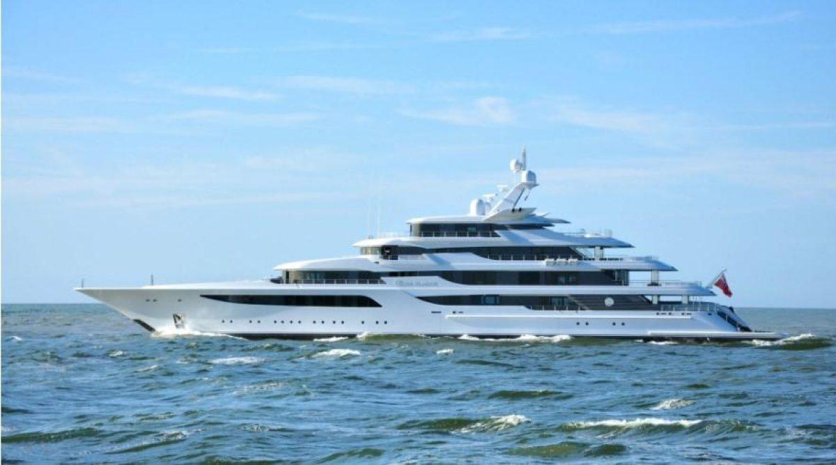 Яхта Медведчука за $200 миллионов не попала под санкции СНБО - СМИ