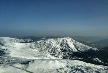 Рятувальники закликають бути обережними: у Карпатах можливе сходження лавин