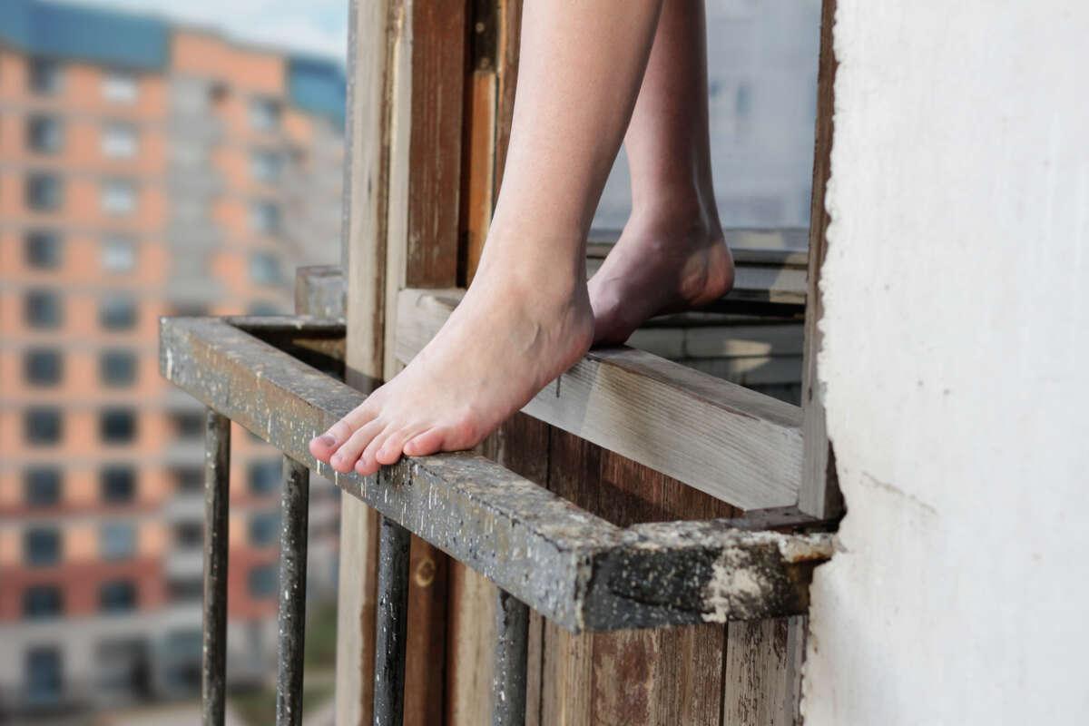 Киевлянка выпрыгнула из окна / фото focus.ua