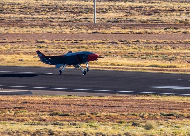Летные испытания аппарата Loyal Wingman признаны полностью успешными / фото Boeing