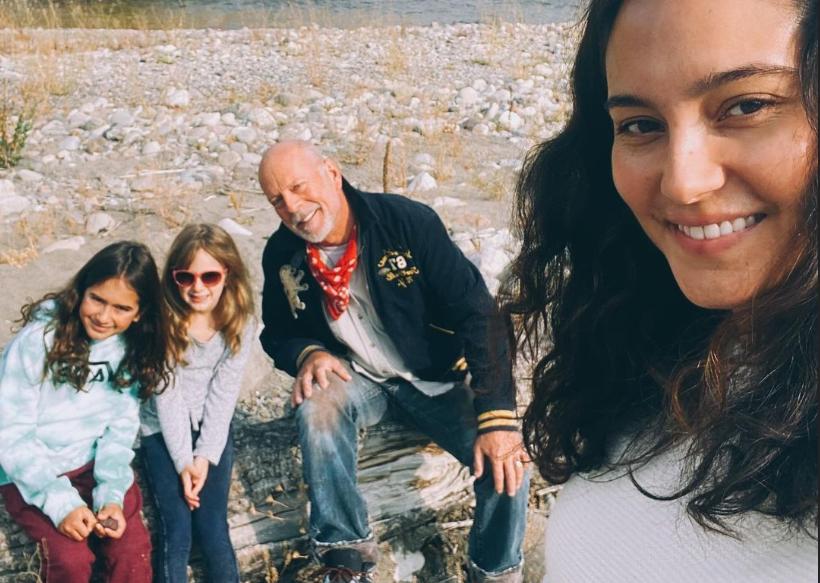 Брюс Вілліс з дружиною та доньками / фото instagram.com/emmahemingwillis