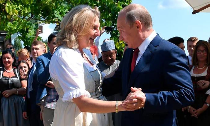 Кнайссль связывает давнее знакомство с президентом РФ Владимиром Путиным / Фото ТСН.ua