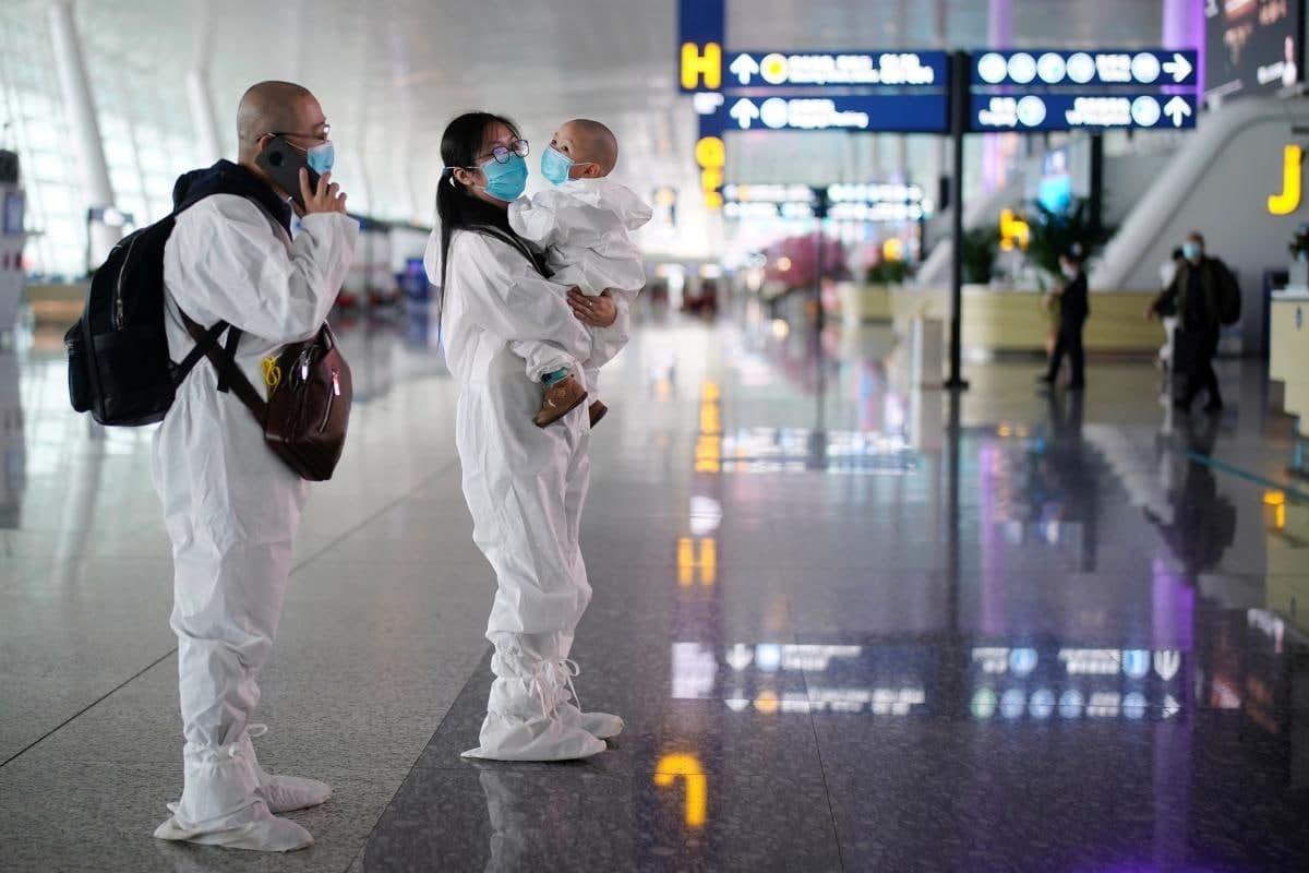 Анальні тести, на переконаннядеяких китайських медиків, гарантують більш точне виявлення вірусу / фото REUTERS