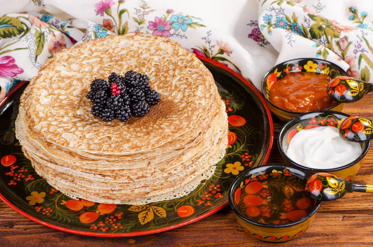 Тонкие ажурные блины - рецепт / фото ua.depositphotos.com