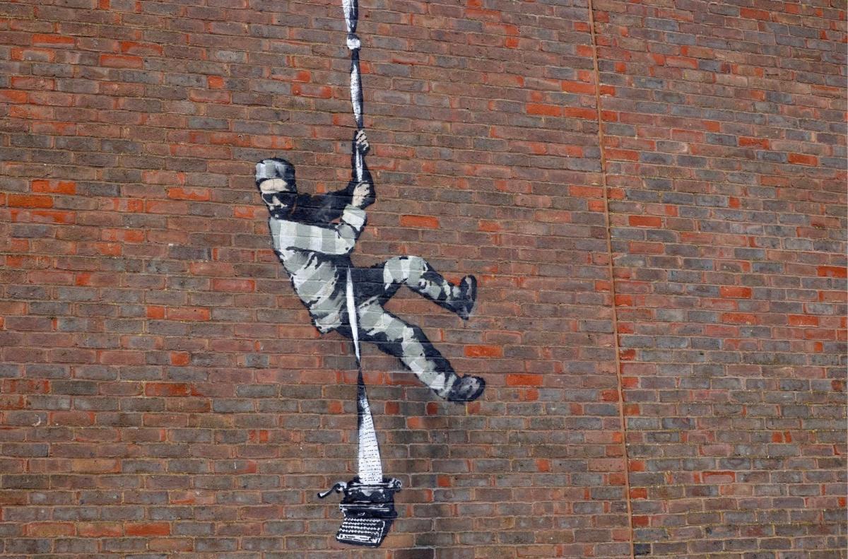 Нове графіті Бенксі Create Escape / фото thesun.co.uk