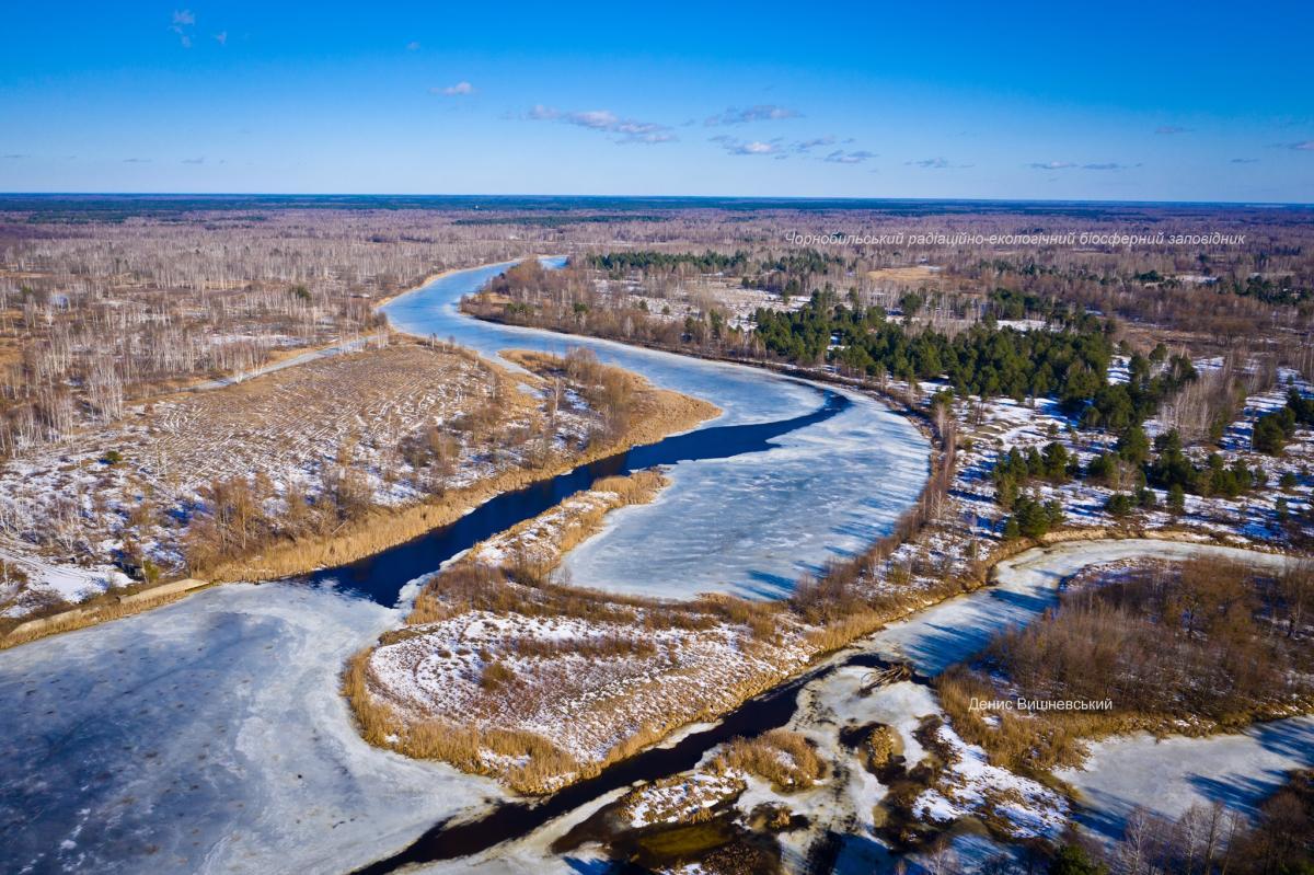 В ожидании ледохода: появились невероятные весенние кадры рек Полесья