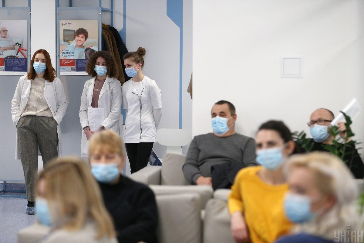 В СНБО рассказали, чем грозит медленная вакцинация от коронавируса / Фото УНИАН, Вячеслав Ратинский