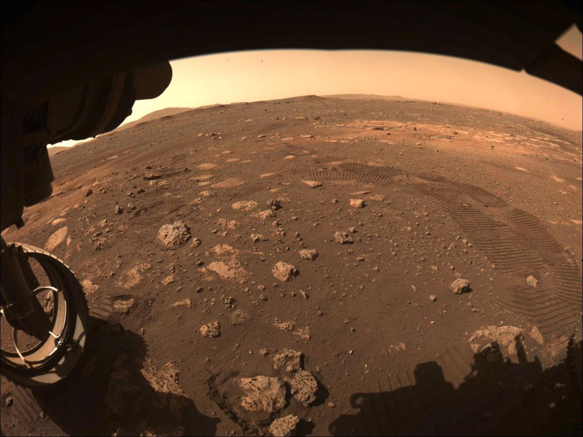 Perseverance вперше проїхався поверхнею Марса / фото NASA / JPL-Caltech
