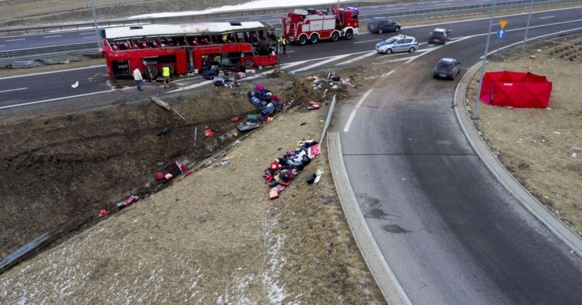 Дев'ятьох постраждалих у ДТП в Польщівже виписали з лікарень / фото Darek Delmanowicz
