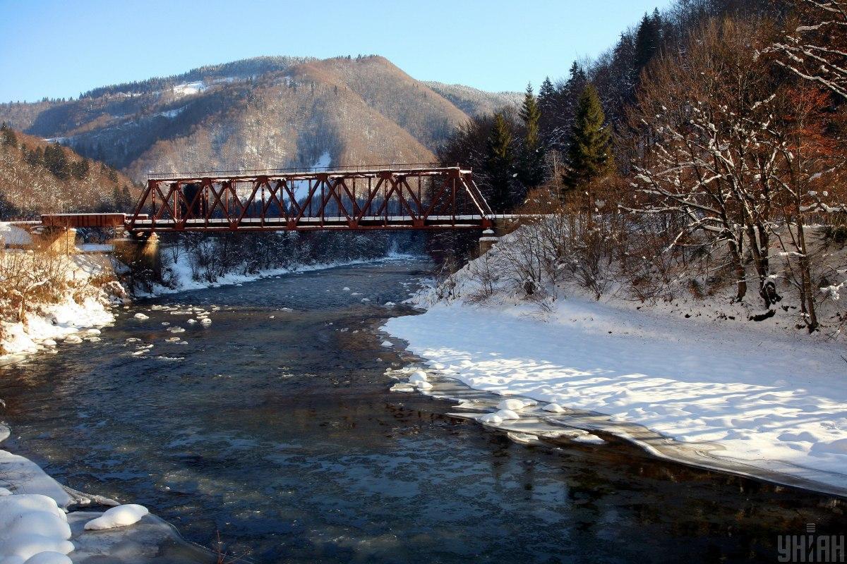 На Закарпатье возможен выход воды на реке Тиса / фото УНИАН, Немеш Янош