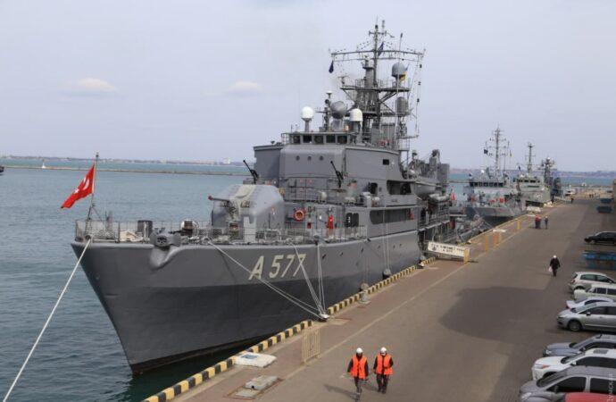 Корабли НАТО впервые в этом году зашли в одесcкий порт / фото Думская