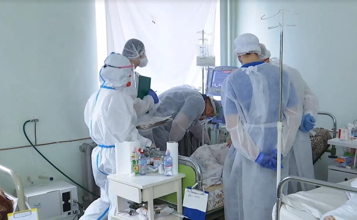 На Буковині ковідні шпиталі перевантажені, а серед важких хворих стало більше молодих людей/ Скріншот з відео