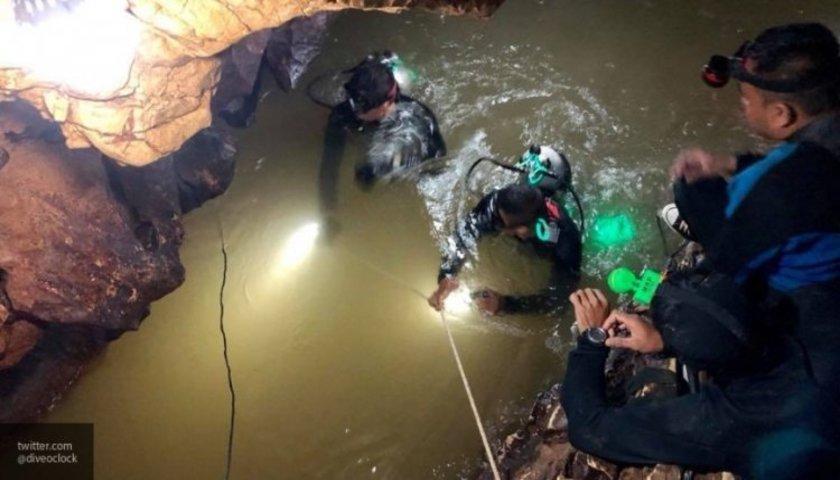 О спасении подростков из пещеры в Таиланде снимают фильм / скриншот