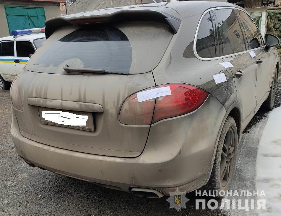 Автомобиль Porsche Cayenne полицейские изъяли и поместили на штрафплощадку / фото npu.gov.ua