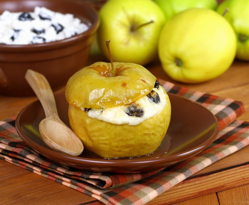 Запеченное яблоко рецепт / фото ua.depositphotos.com