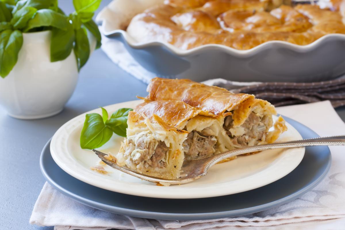 Рецепт слоеного пирога с мясной начинкой / фото ua.depositphotos.com