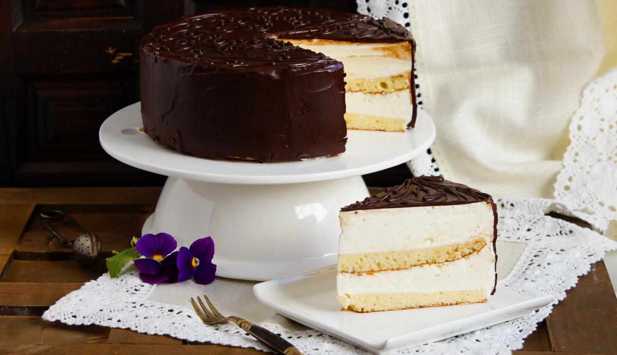 Рецепт торта Птичье молоко / фото ua.depositphotos.com