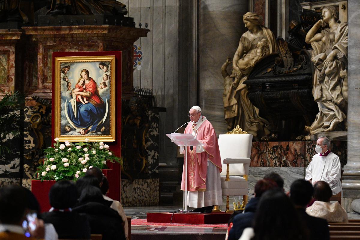 Католическая церковь не будет благословлять однополые союзы / фото REUTERS