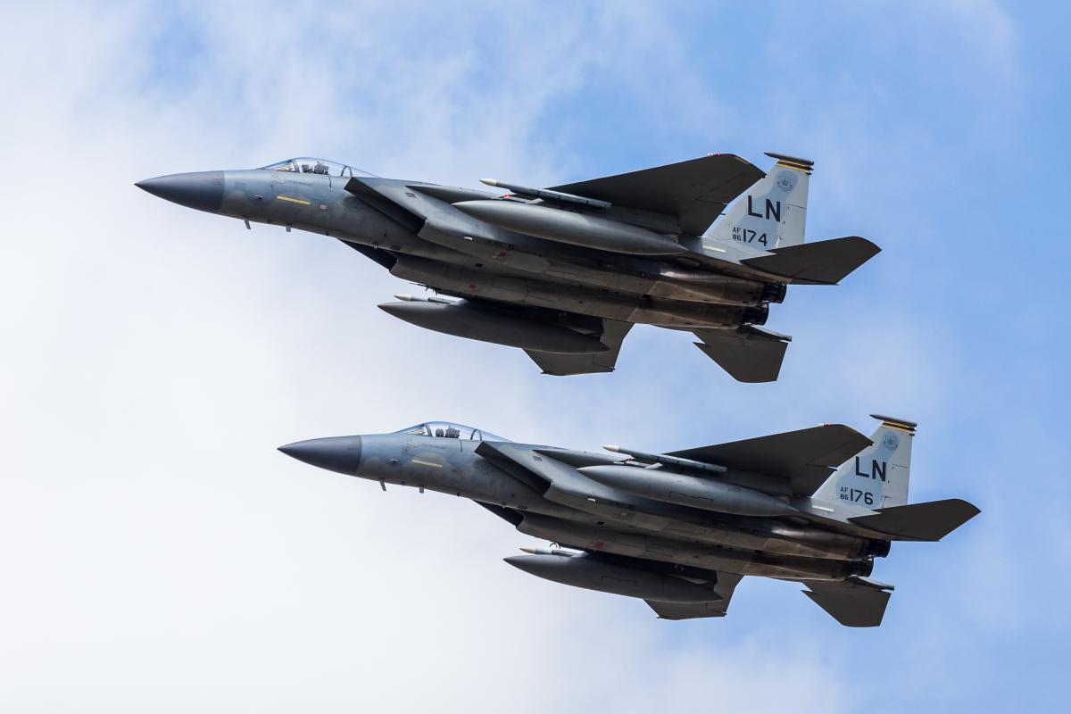 Зараз винищувачі F-15 оснащуються системою радіоелектронної боротьби EPAWSS / фото ua.depositphotos.com