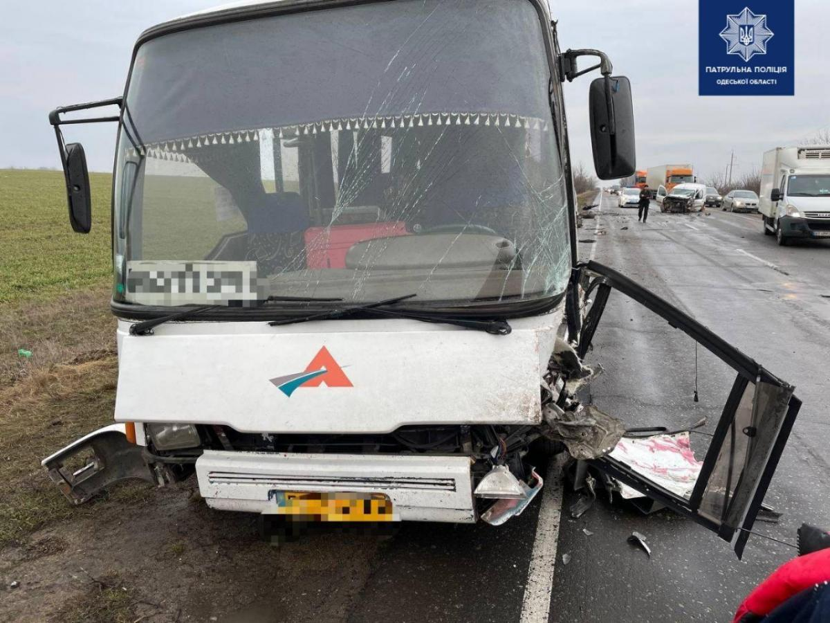 Авария произошла на автодороге Одесса-Мелитополь / фото патрульная полиция Одесской области