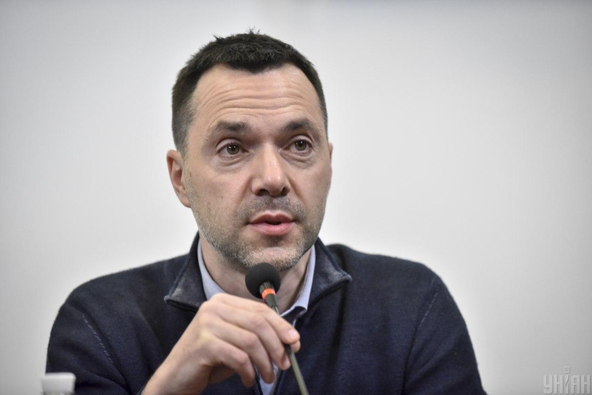 Олексій Арестович, радник делегації України в ТКГ, розказав про переговори у Мінську / фото УНІАН, Брессонова Ані