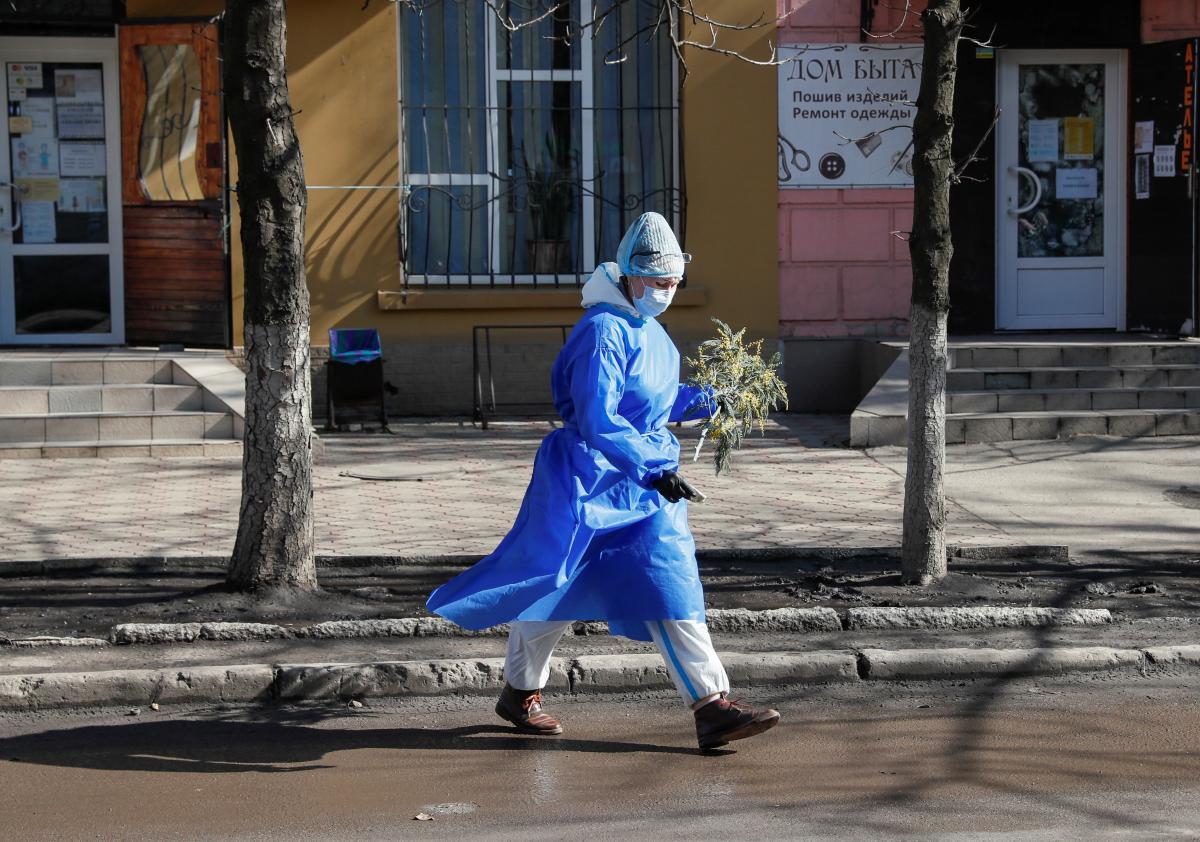 Кто более подвержен риску повторного заражения COVID-19 / фото REUTERS