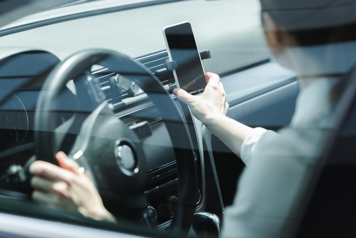 Для водіїв, які зніматимуть відео, планується передбачити винагороду / фото ua.depositphotos.com