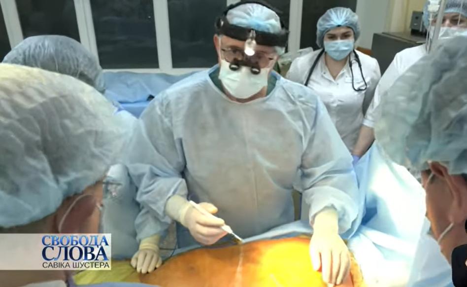 Операцию проводила команда хирургов под руководством Бориса Тодурова / фото скриншот