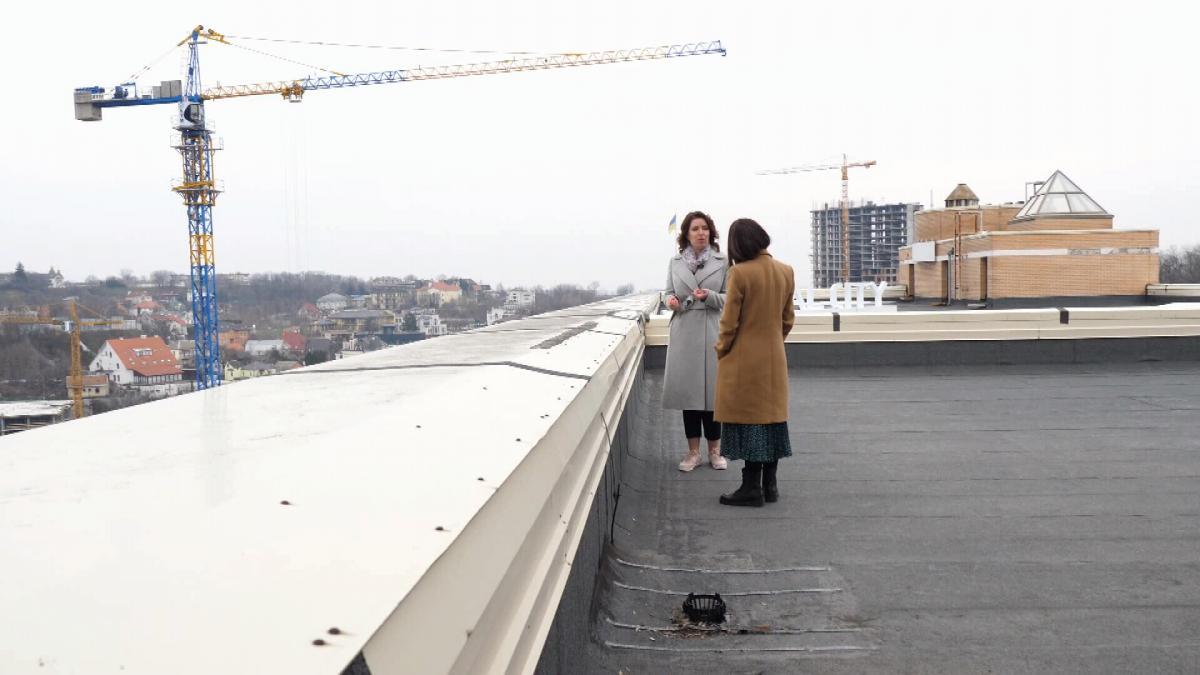 Анна Лаєвська, комерційний директор компанії-забудовника, каже, що коло людей, які можуть придбати собі квартиру в новобудові, - досить обмежене