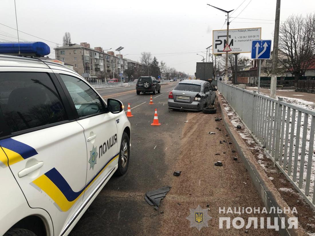 В результате ДТП водитель Volkswagen и двое его пассажиров погибли / фото ГУНП в Житомирской области